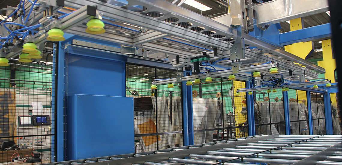 Palletizing robot at Jessen Emballage