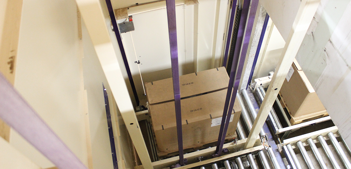 Pallet elevator - Egatec Packaging Int.